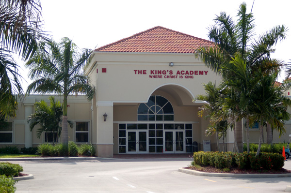 Cafeteria | The King's Academy - Private School Palm Beach